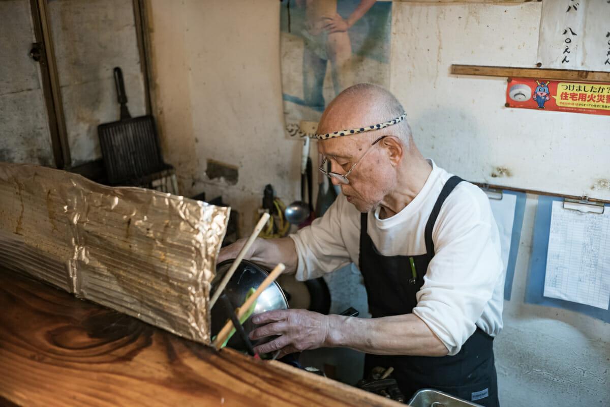 A lovely old Tokyo bar owner