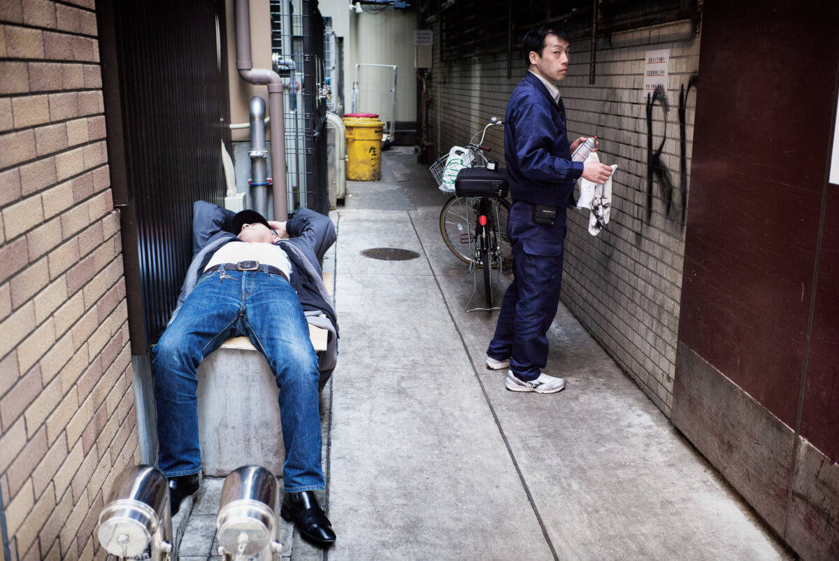 life in a tokyo alley
