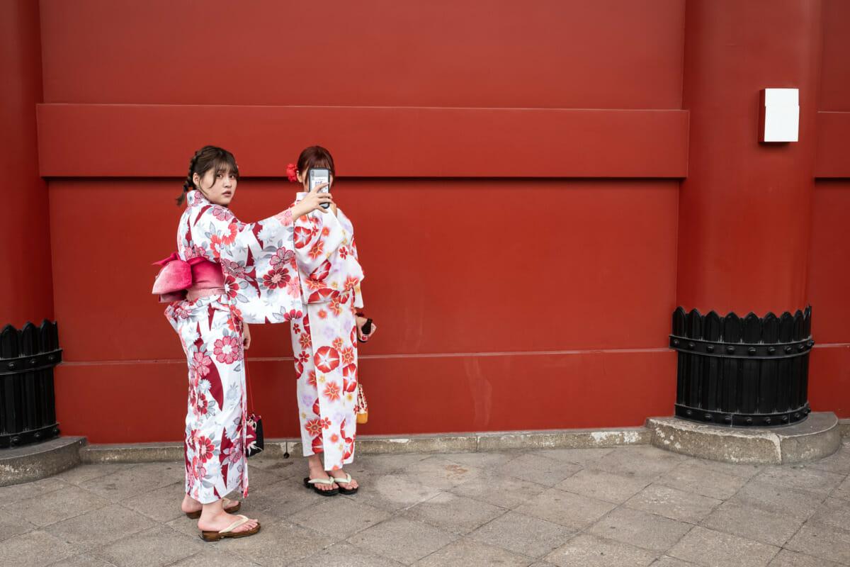 Tokyo summer kimono selfie stares
