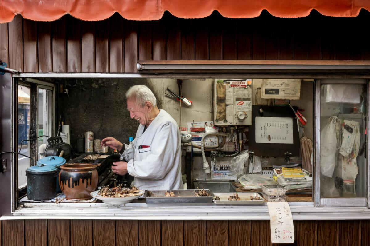 Tokyo yakitori made with a big smile